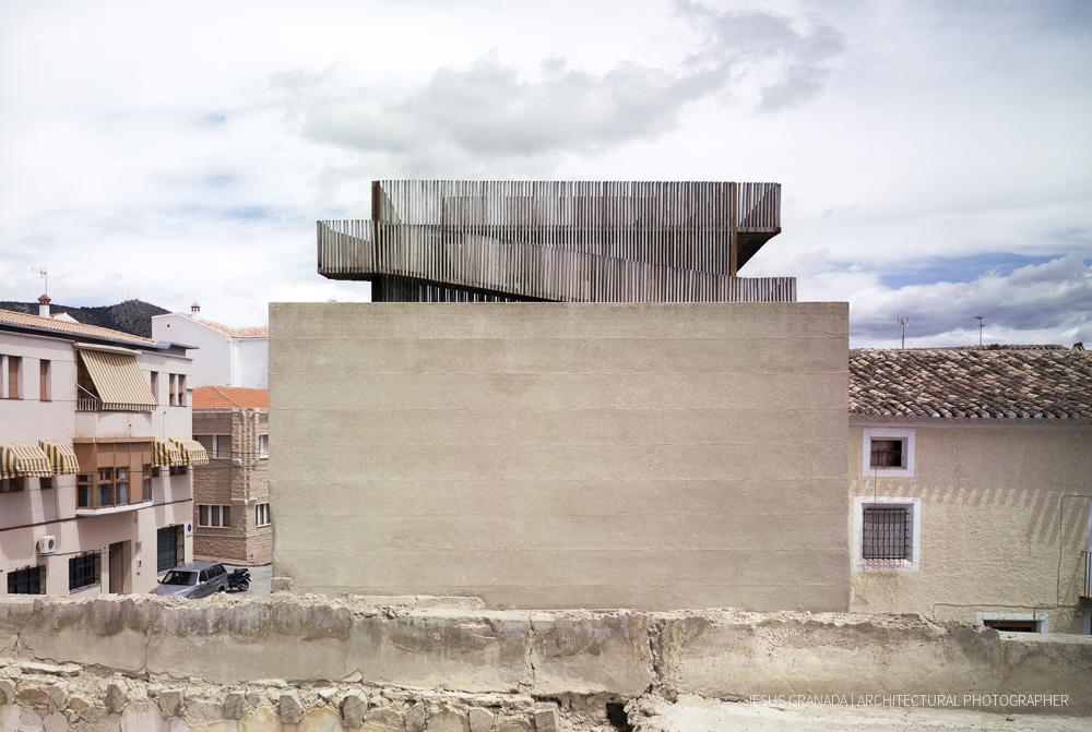 Tribute tower in Huéscar (Granada), Spain. Antonio Jiménez Torrecillas, architect.